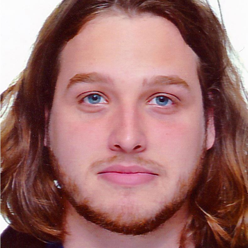 Portrait Photo of Oliver Antczak